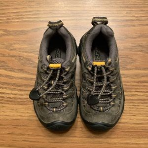 Keen | Leather Sneakers, Size 9
